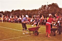 10-Humoristisk-indslag-ved-en-sportsfest.