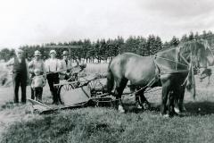 12-Stadionvej-37-ca.-1930-nr.-3-f.-v.-Marinus-Sørensen-dernæst-faderen-Kristian-Sørensen.