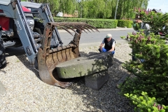 9-Møllestenen-skal-have-den-rette-hældning-mener-Sigurd-Møller.QR-kodeturen-2019-12